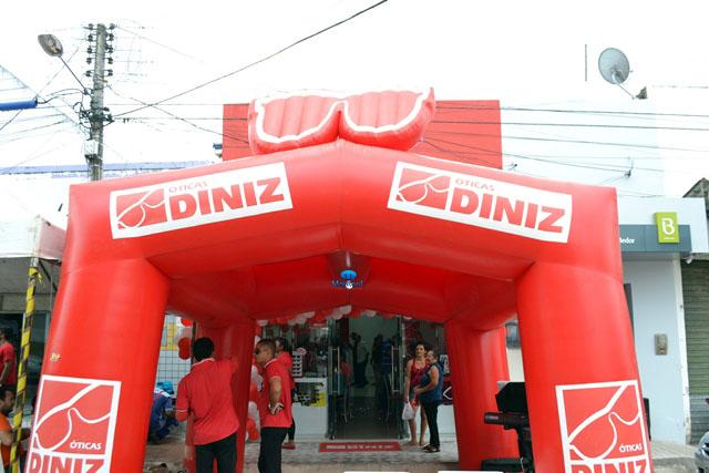 Óticas Diniz faz 05 anos de inauguração em João Câmara. - Blog do ... b1f2c0e78a